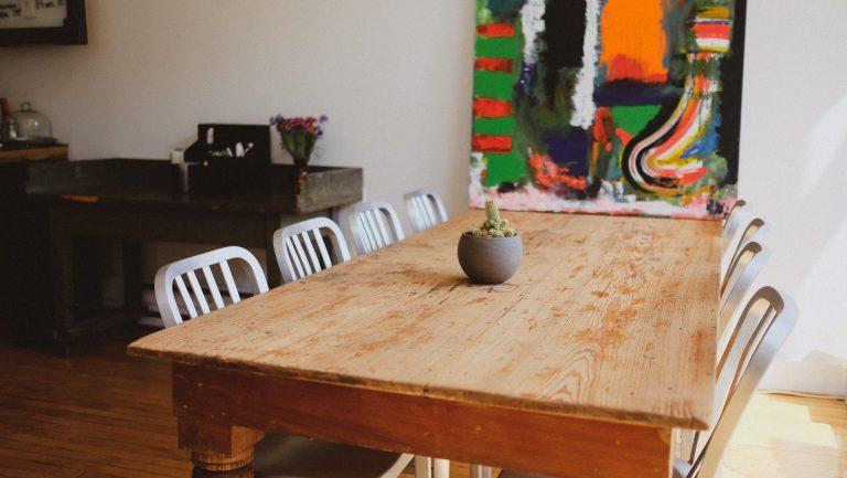 Blaty drewniane w nowoczesnych i tradycyjnych wnętrzach