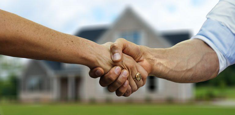 Zakup mieszkania przez biuro nieruchomości