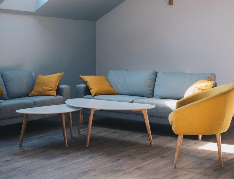 Na co warto zwrócić uwagę wybierając odpowiednie meble tapicerowane?